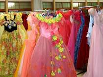 *約1000着の中からお気に入りのドレスを選んで記念撮影♪一生の思い出になりますヨ!