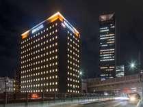 ホテル全景夜間5