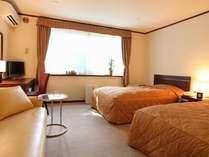 【本館ツイン】110cmと120cmのひろびろベッド♪シモンズ製のベッドでゆっくりと・・・