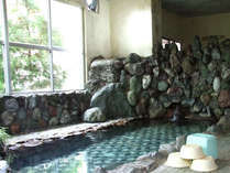 *「桜風呂」神経痛や筋肉痛、冷え性などに効果が期待できる八塩温泉をたっぷり満喫!