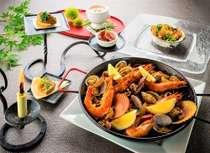 【期間限定】パエリアコースプラン〈今しか味わえない夏野菜と魚介をふんだんに使った名物料理〉7月末まで