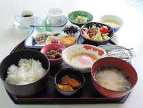 【朝食付】目覚めのからだにやさしい和朝食。鹿児島名物さつま揚げもあります♪
