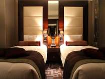 【スイート】54平米ベッド幅120cm×2台 都心の隠れ家として、寛ぎのひとときをお過ごしください。