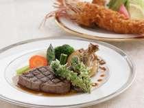 ジャンボ海老フライと フレィステーキは不動の人気
