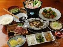 リーズナブル・夕食全体イメージ(自家製野菜を使った、手作り料理が並びます)リーズナブルプラ