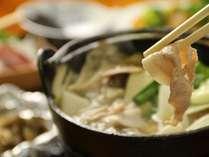 夕食のお鍋。温まりますよ♪