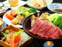 上州牛の陶板焼きを中心とした山のごちそうをお召し上がりください。
