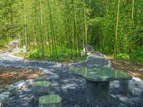 『竹林の径と七福神めぐり』200メートルの、風流極まる径が完成。自然の中に身を置き、お寛ぎください。