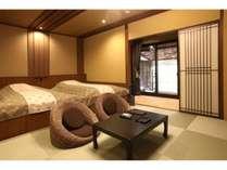 1階露天風呂付客室「古九谷」58平米