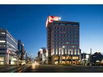 高知駅から見たホテル・夜