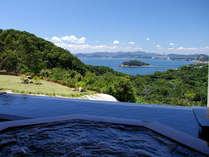 南淡温泉『潮騒の湯』 日中は青々とした空と鳴門海峡が望めます。