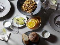 パンとスープのシンプル朝食例