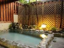 【温泉】白馬八方温泉掛け流しの露天風呂がある宿は珍しいです。