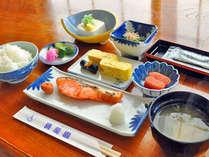 【朝食の一例】「たらこ」はこの地域の名産品です。