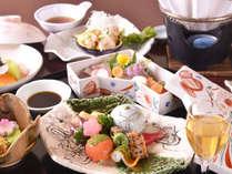 【お料理一例*】美しい器に盛られた自慢の逸品を、目と舌でお愉しみ下さい。