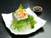 夕食一例(お造り)/新鮮なお魚や貝など、その日のお勧めをお出しいたします。