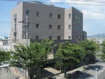 施設の外観
