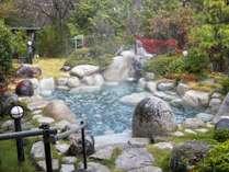 *【露天風呂】森林の空気を吸い込みゆっくりとお楽しみください。