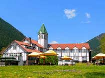 【外観】スイス・チロル地方をイメージした西洋風ホテル