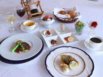 【フランス料理一例】肉料理・魚料理など本格的なフランス料理に舌鼓