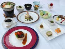 【特別室限定】和食も楽しみたい方には和洋折衷を。和洋それぞれの良さを一度に味わえます。