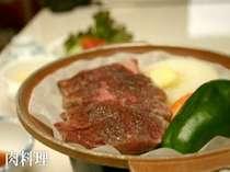 肉料理です