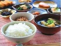 朝はやっぱりご飯に味噌汁♪炊き立ての『あきたこまち』をどうぞお召しあがり下さいませ★