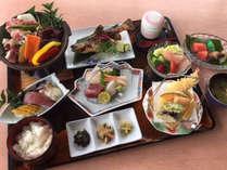 *【お料理】渓流と山海の膳「楓」。旬のものを存分に使った全11種のお食事