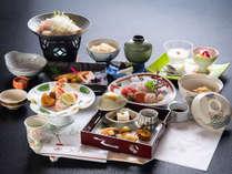 *【夕食一例】京会席ならではの雅やかな味わいと、目にも楽しい彩の美食をご堪能下さい。