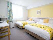 130センチ幅と110センチ幅のゆったりサイズベッドがあるツインルーム