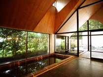 大きな浴槽と露天風呂がついた大浴場♪(大浴場1階)