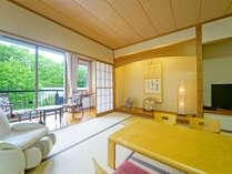 スイートルームの広々和室♪12畳+広縁4畳スイートルームは他に30平米の洋室付き