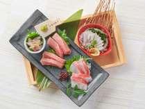 極上本鮪中トロとアワビ・本日の鮮魚4点盛り合わせ(2人前)