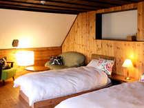 2階の寝室(10畳)