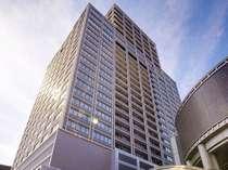 【外観】31階建高層ホテル