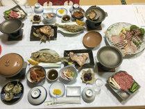 贅沢プランのご夕食一例(2名分)仕入れによって多少異なります。