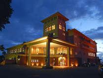 *ダグリ岬の先端に建つ南欧風ホテル。リゾート気分をお楽しみください♪
