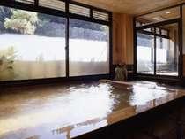 紀州槇風呂(夜12時に男女入替になります。)
