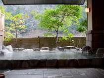 野趣の露天風呂