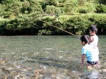 釣竿無料レンタル中(釣った魚は夕食に唐揚げでお出しします)