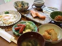 ある日の朝食♪朝は定番の和食でしっかりご飯!