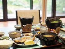 ◆ご滞在のお客様をお迎えするレストラン「なぎさ亭」の朝食。