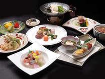 ☆季節の会席料理コース。月ごとに献立を変え旬の食材を使った料理長自慢のオリジナル会席料理。