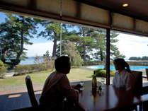 【レストラン】レストランから眺める楽しいひととき。