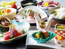 *【さざなみ会席】季節の食材を使用し、お料理の品数を控えめに