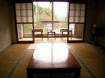 *【客室例】畳のお部屋でのんびりとお寛ぎ下さい。