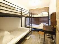 2段ベッドルーム(1~4人):2段ベッドを2つご用意しています
