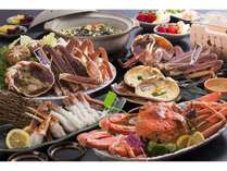 仁風荘自慢のカニ料理!焼きガニやカニ刺しなど、冬ならではの味覚をお楽しみください!