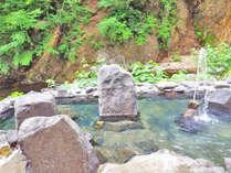 秘湯中の秘湯!トレッキングで辿り着く、最上川源流の絶景露天風呂