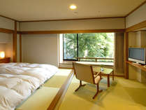 『別館洋室一例』開放感のある全面ガラス出窓を装備。